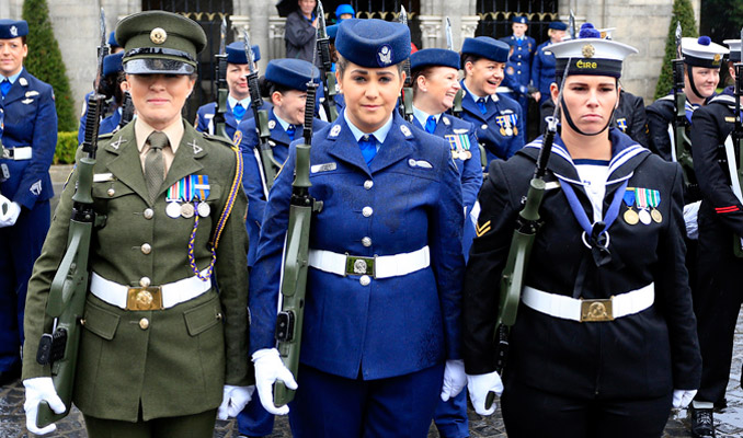 a discussion on the role of women in the military The defense advisory committee on women in the services says  panel  discussions  women in the military takes more than just opening up combat  roles,  as the military is turning more toward women to fill its ranks,.