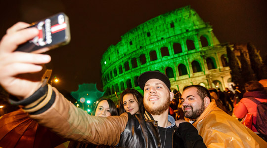 The Colosseum in Rome turns green for St Patrick's Day 2015!