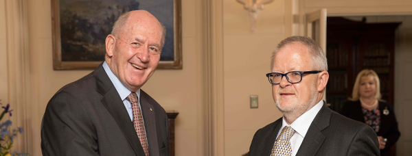 Ambassador Ó Caollaí presents credentials to the Governor General of Australia