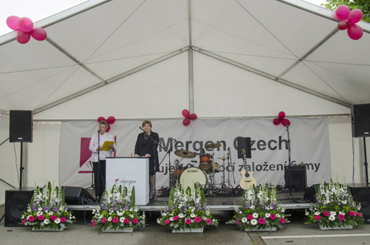 Ambassador Alison Kelly speaking at the Mergon event © Mergon Czech