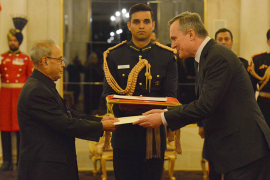 Ambassador Brian McElduff presented his credentials to President Pranab Mukherjee of India on 3 February 2016.