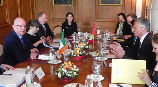 Irish and Swiss delegation in meeting