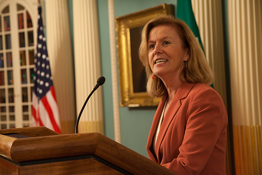 Ambassador Anderson at the Signing Ceremony for the Extension of the Memorandum of Understanding for the Ireland Work & Travel Program