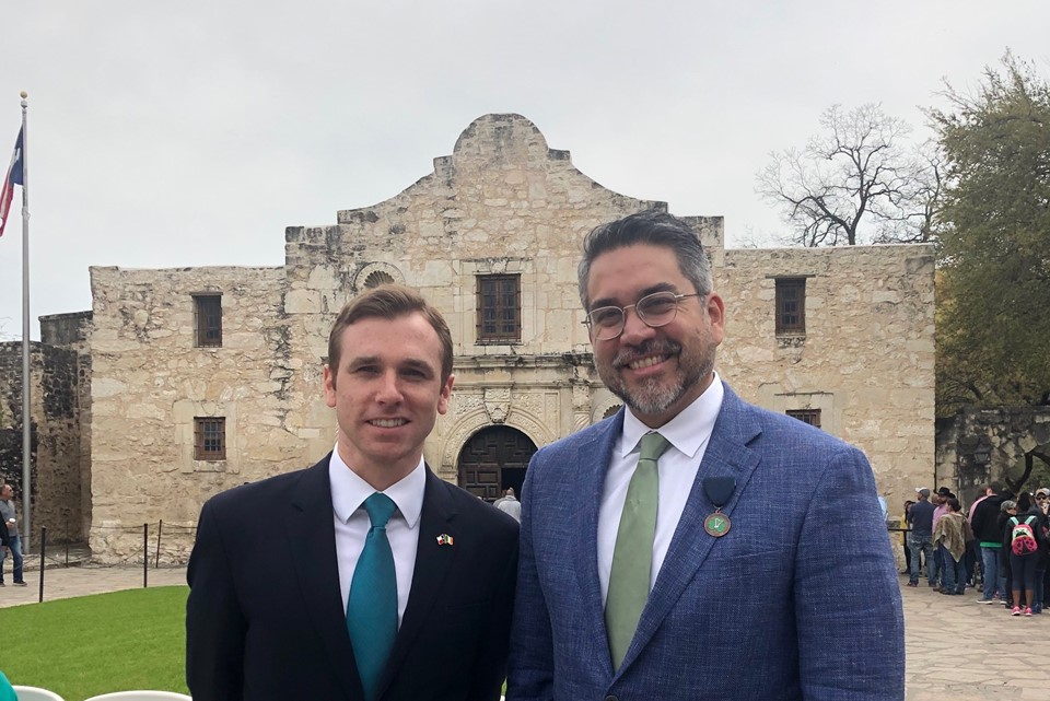 Vice Consul Paul Breen and San Antonio Councilman Roberto Trevino at Alamo on St Patrick's Day 2019.