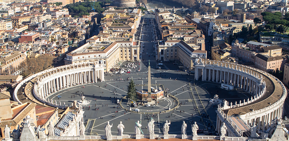 Panorama view of Piazza San Pietro in Vatican City
