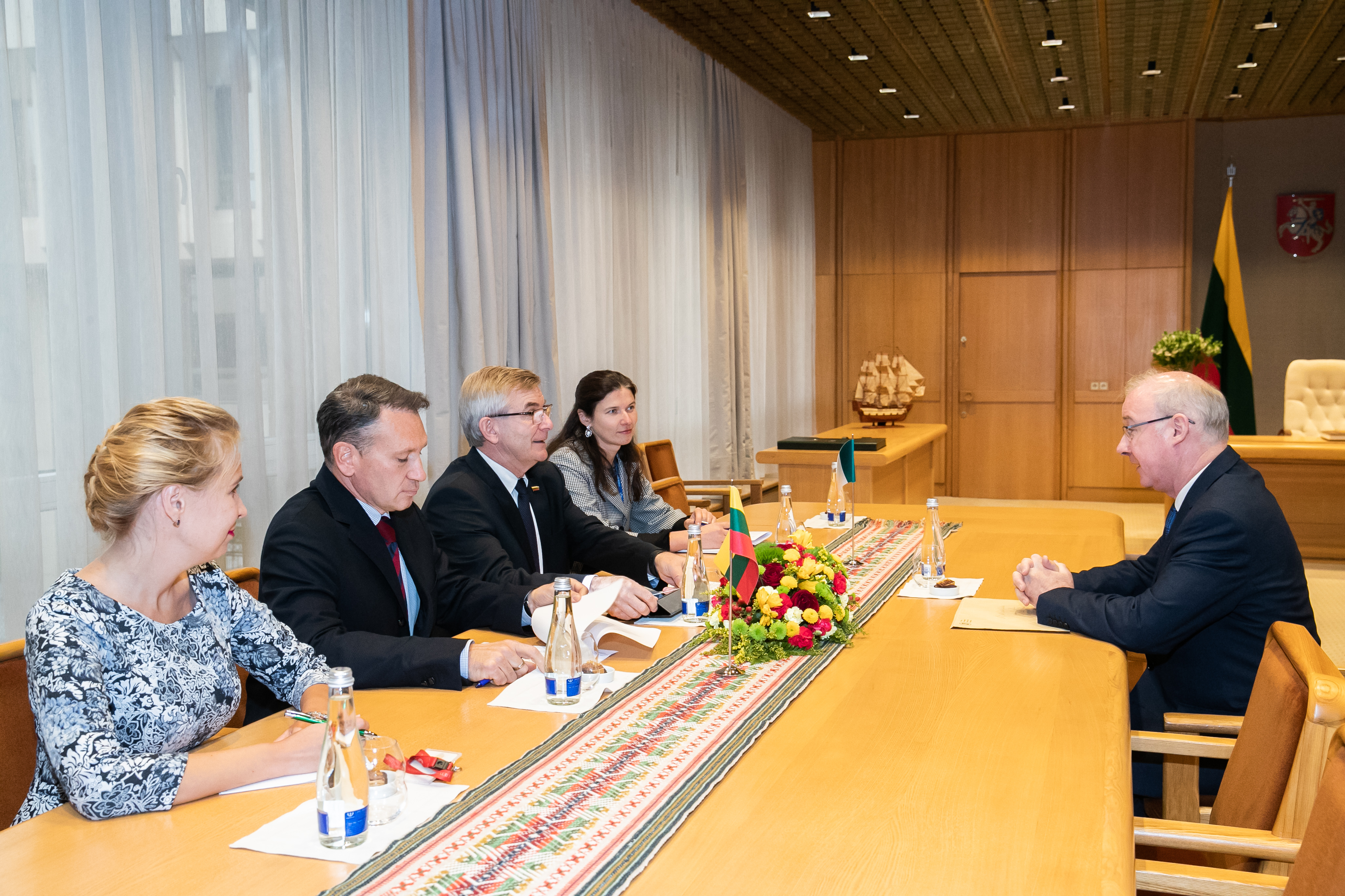 The Ambassador meets the Speaker of Seimas