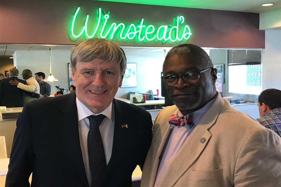 Photo of the Ambassador and the Mayor of Kansas City at Winstead's